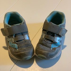 Saucony toddler tennis shoes size 8.5